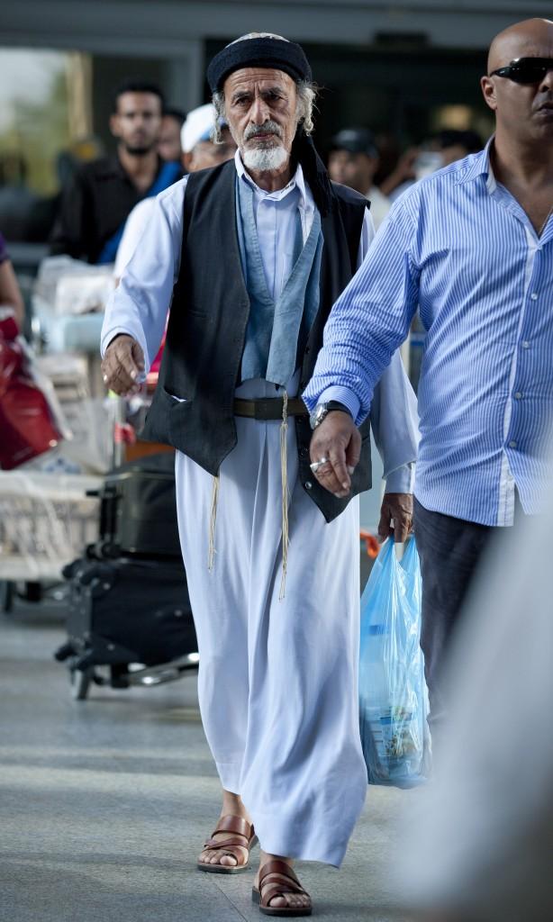 Jewish Yemenite immigrants seen seen arriving at Ben Gurion Airport in Tel Aviv on June 20, 2012. Photo by Moshe Shai/FLASH90