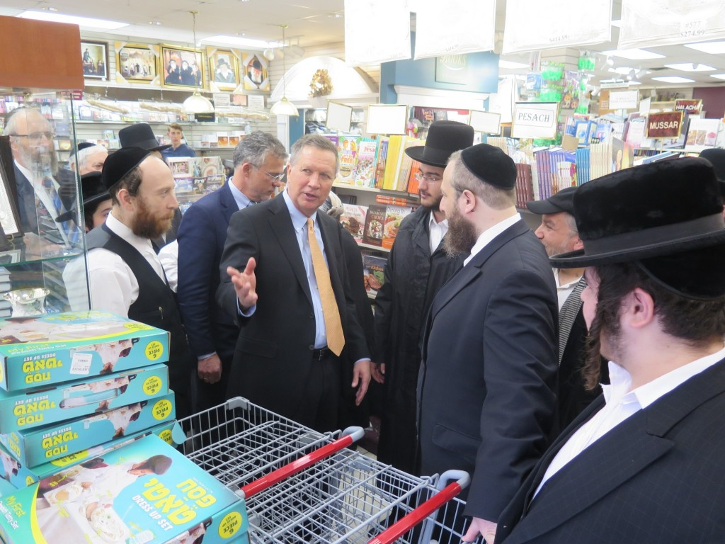 Republican presidential candidate John Kasich visits the popular 'Eichlers judaica' Headquarters while touring Boro Park. (JDN)