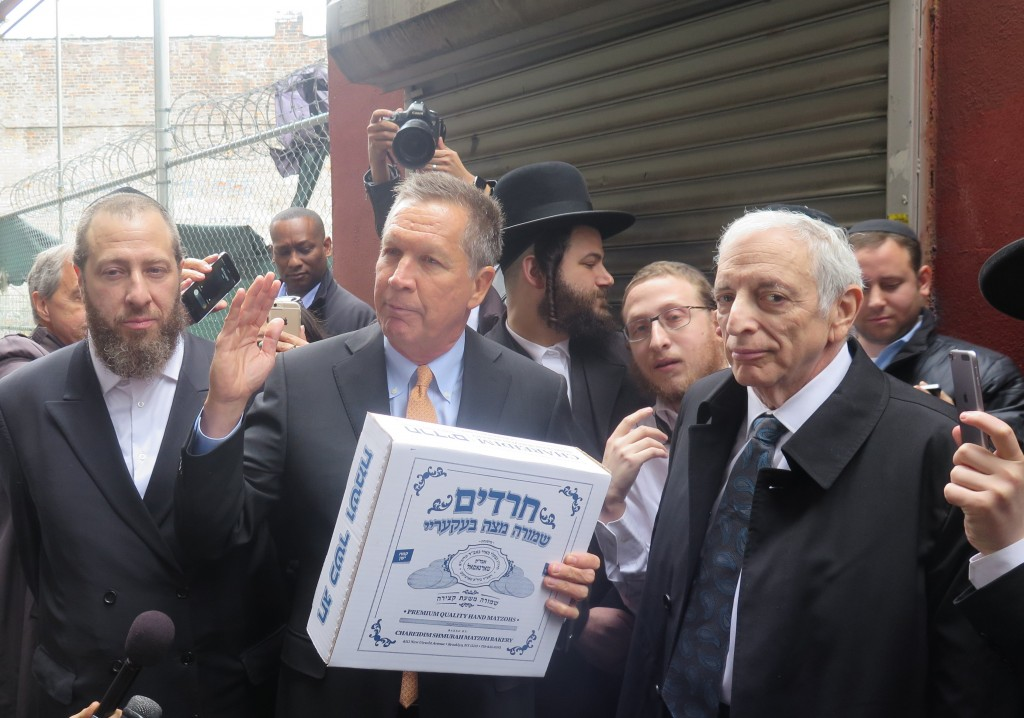 Republican presidential candidate John Kasich visited the Charedim matzah bakery in Boro Park. (JDN)