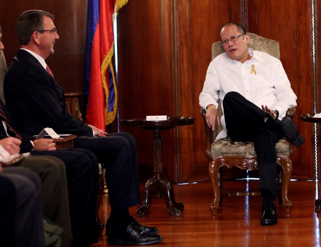President of the Philippines Benigno Aquino (R.) holds talks with visiting U.S. Defense Secretary Ash Carter at the presidential palace in Manila, Thursday. (Reuters/Romeo Ranoco)