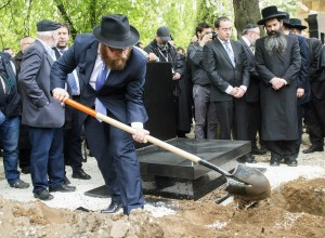 At the burial in the Kozma Street Jewish Cemetery in Budapest, Hungary, on Friday. (Tibor Illyes/MTI via AP)