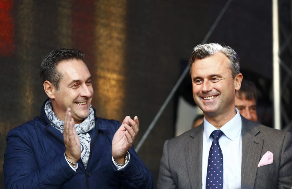 Austrian far right Freedom Party (FPOe) party leader Heinz-Christian Strache (L) and Freedom Party's presidential candidate Norbert Hofer attend Hofer's final election rally in Vienna, Austria, May 20, 2016. (Leonhard Foeger/Reuters)