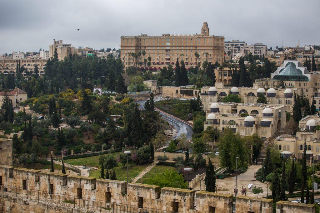 View of King David hotel as seen from the Old City walls in Jerusalem, on March 28, 2016. Photo by Corinna Kern/FLASH90 *** Local Caption *** éøåùìéí äòéø äòúé÷ä îìåï ÷éðâ ãåéã