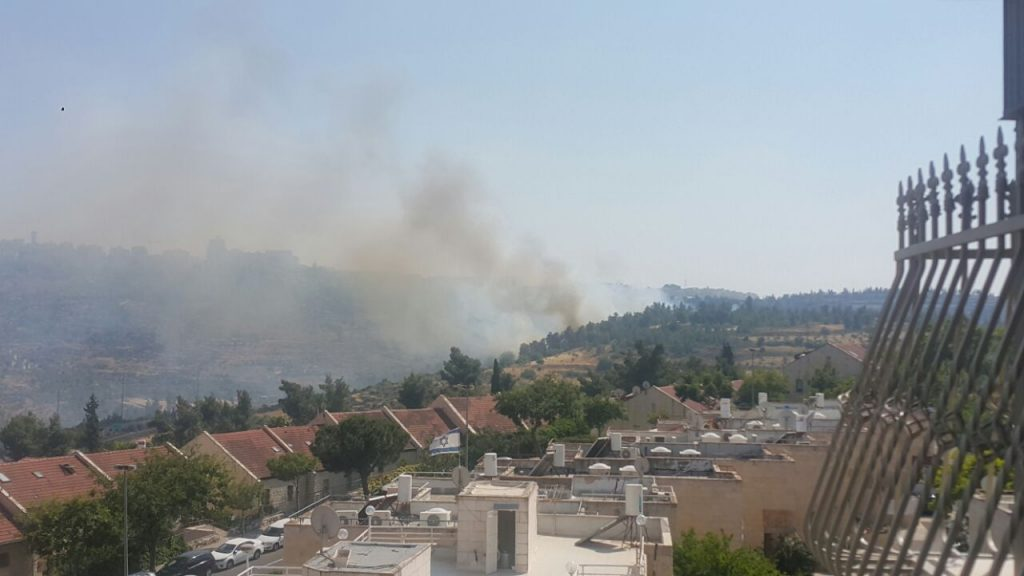 The fire near Yerushalayim. (Medabrim Tikshoret)