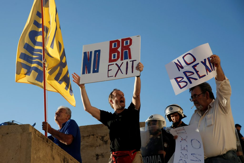 "Anti-government demonstrators hold placards reading ""No Brexit"". (Alkis Konstantinidis/Reuters)"