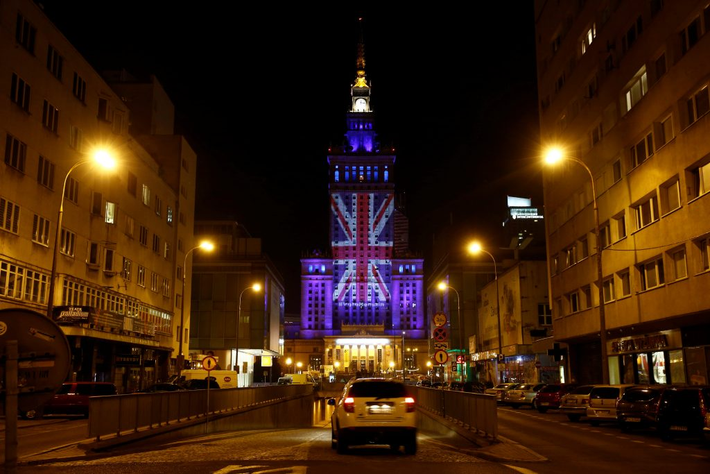 The Palace of Culture and Science is illuminated in Union Jack colours by Warsaw's capital authorities in support of Britain staying in the EU, in Warsaw, Poland June 22, 2016. REUTERS/Kacper Pempel