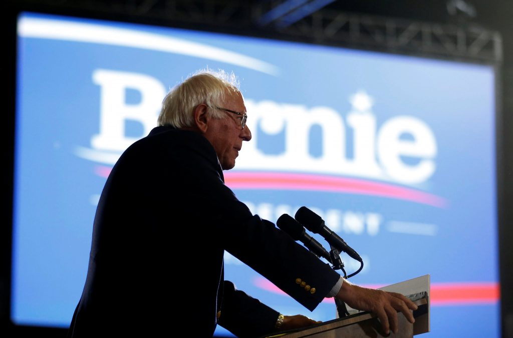 U.S. Democratic presidential candidate Bernie Sanders addresses supporters following the closing of the polls in the California presidential primary in Santa Monica, California, U.S., June 7, 2016. REUTERS/Lucy Nicholson