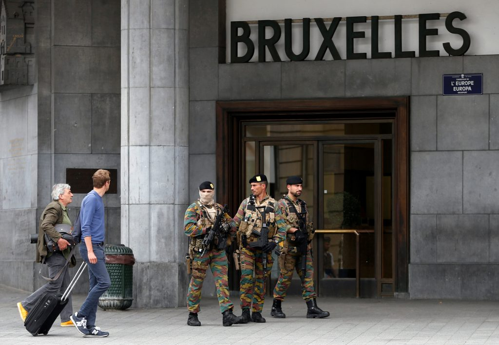 Belgian soldiers patrol outside the central train station where a suspect package was found, in Brussels, Belgium, June 19, 2016. REUTERS/Francois Lenoir TPX IMAGES OF THE DAY