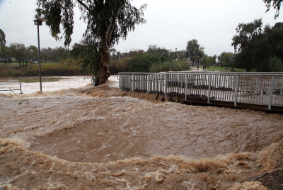 The 'Seven Station' point where the Yarkon and Ayalon rivers converge, which is flooding after heavy rain and stormy weather in Tel Aviv on December 14, 2013. Photo by Gideon Markowicz/Flash90