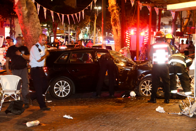 The scene where a driver crashed with his car into a restaurant in central Tel Aviv leaving 3 people dead and several wounded, June 18, 2016. Photo by Flash90