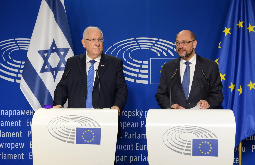 Israeli President Reuven Rivlin (L) and President of the European Union Parliament Martin Schulz during a joint press conference at the European Union Parliament in Brussels, Belgium, on Wednesday. (Mark Neyman/GPO)
