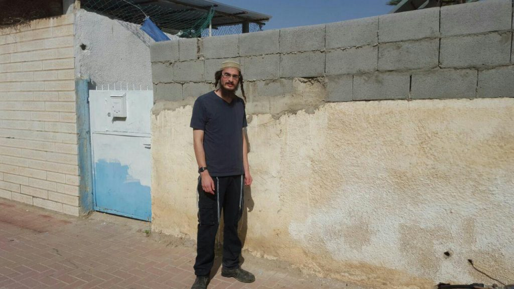 Meir Ettinger after his release Wednesday morning. (Hachadashot Hachamot)