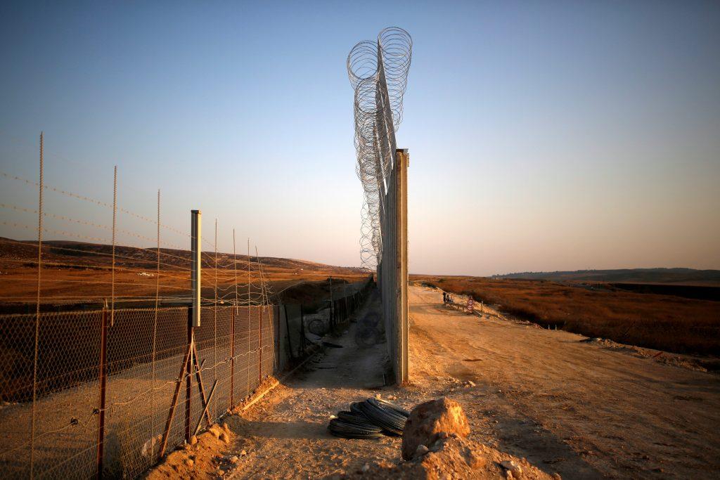 An Israeli barrier under construction near Havat Ela in southern Israel. (Reuters/Amir Cohen)
