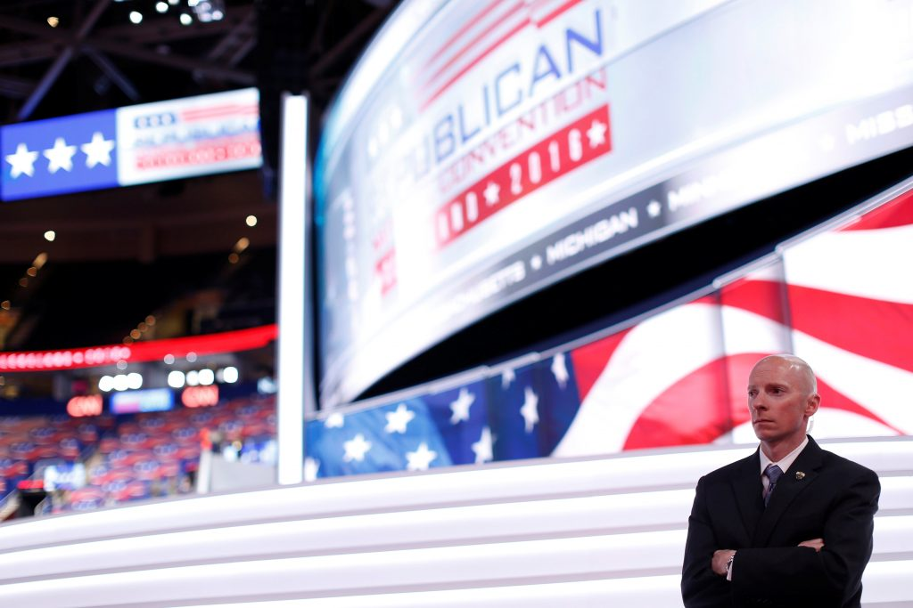 A U.S. Secret Service agent stands on the floor of the Republican National Convention in Cleveland, Ohio, U.S., July 17, 2016. REUTERS/Mario Anzuoni