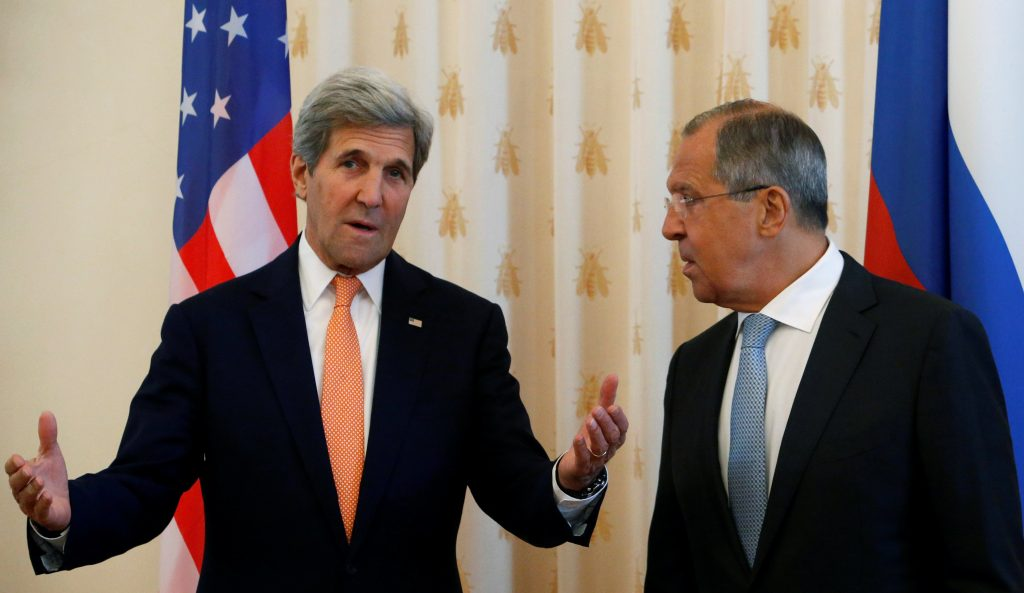 Russian Foreign Minister Sergei Lavrov (R) and U.S. Secretary of State John Kerry attend a meeting in Moscow, Russia, July 15, 2016. REUTERS/Sergei Karpukhin