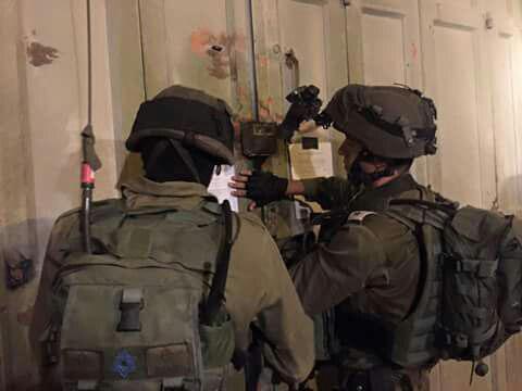 IDF soldiers seal the building (IDF Spokesman)
