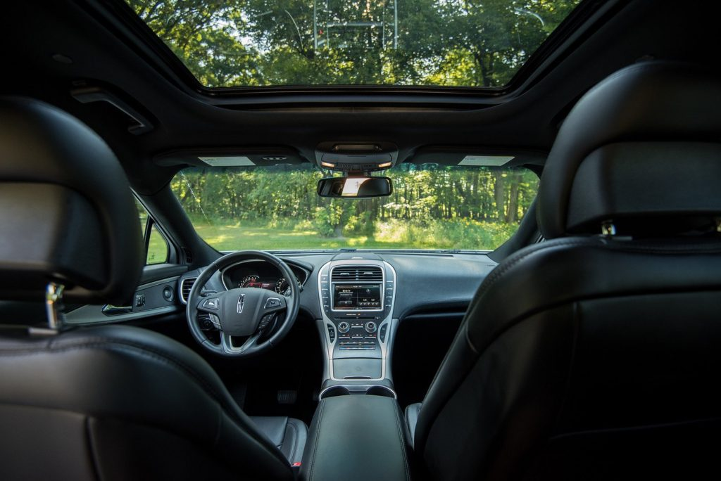 The interior of the 2016 Lincoln MKX. (Tom Snitzer/Chicago Tribune/TNS)