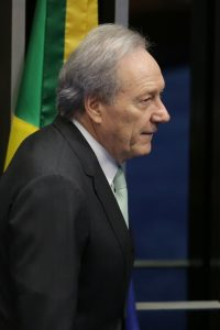 Brazil's Supreme Court Chief Justice Ricardo Lewandowski arrives for the impeachment trial of suspended President Dilma Rousseff, in Brasilia, Brazil, on Thursday. (AP Photo/Eraldo Peres)