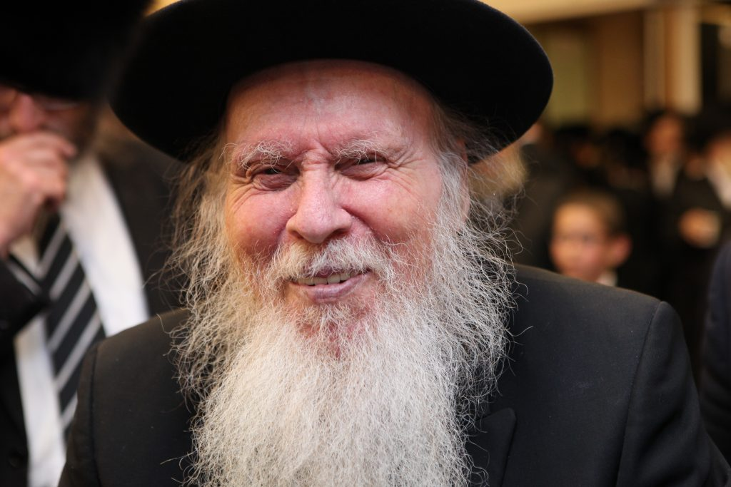 **FILE** Rabbi Aryeh Finkel, head Yeshiva of the Brachfeld branch of the Mir Yeshiva is seen during an event in Jerusalem on August 16, 2015, Rabbi Aryeh Finkel died tonight at the age of 85. Photo by Shlomi Cohen/Flash90 *** Local Caption *** îéø éùéáä øá øáé ôéð÷ì àøéä ôéð÷ì ðôèø