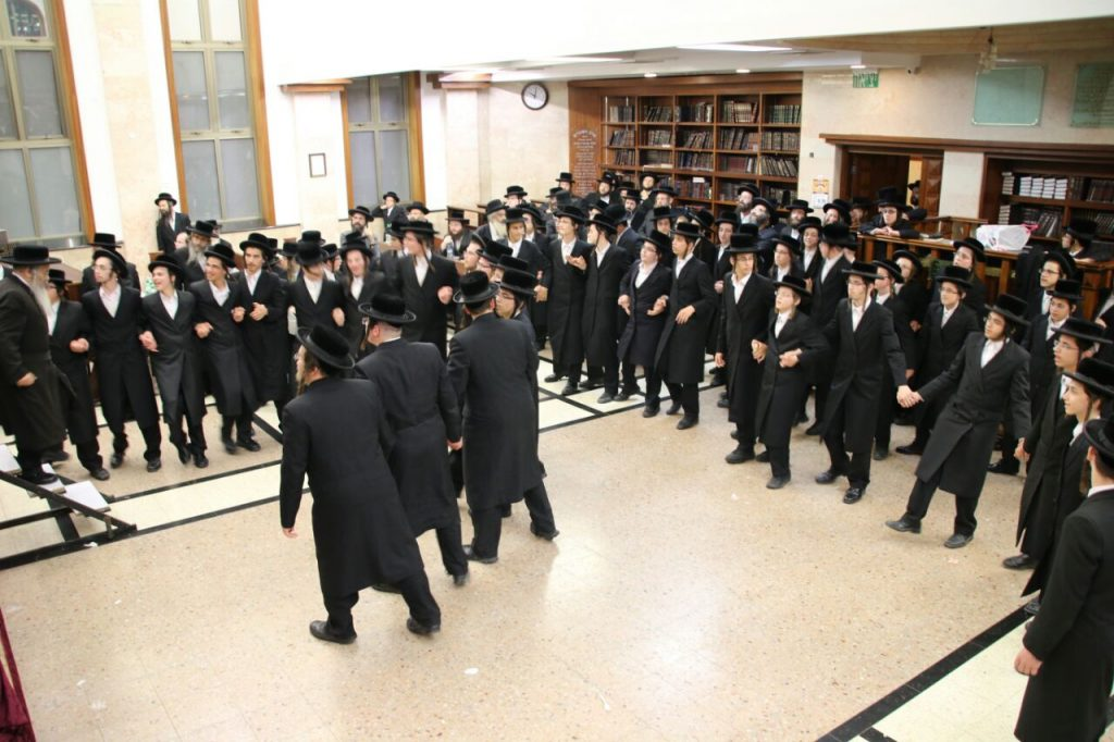 A spirited simchah shel mitzvah at the end of the event. (JDN)