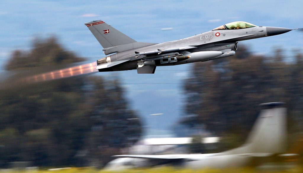 A Danish F-16 Fighting Falcon takes off from the tarmac of the Sigonella NATO Airbase on the southern Italian island of Sicily, Italy, March 21, 2011. REUTERS/Max Rossi/File Photo