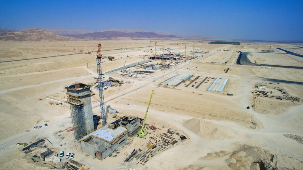 View of the construction of a new airport in Timna, near Eilat. (Moshe Shai/Flash90)