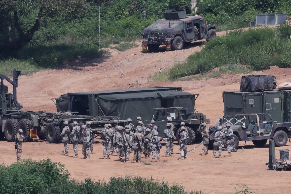 U.S. army soldiers take part in a military exercise near the demilitarized zone separating the two Koreas in Paju, South Korea, August 22, 2016. Lim Byung-sik/Yonhap via REUTERS ATTENTION EDITORS - THIS IMAGE HAS BEEN SUPPLIED BY A THIRD PARTY. SOUTH KOREA OUT. FOR EDITORIAL USE ONLY. NO RESALES. NO ARCHIVE.