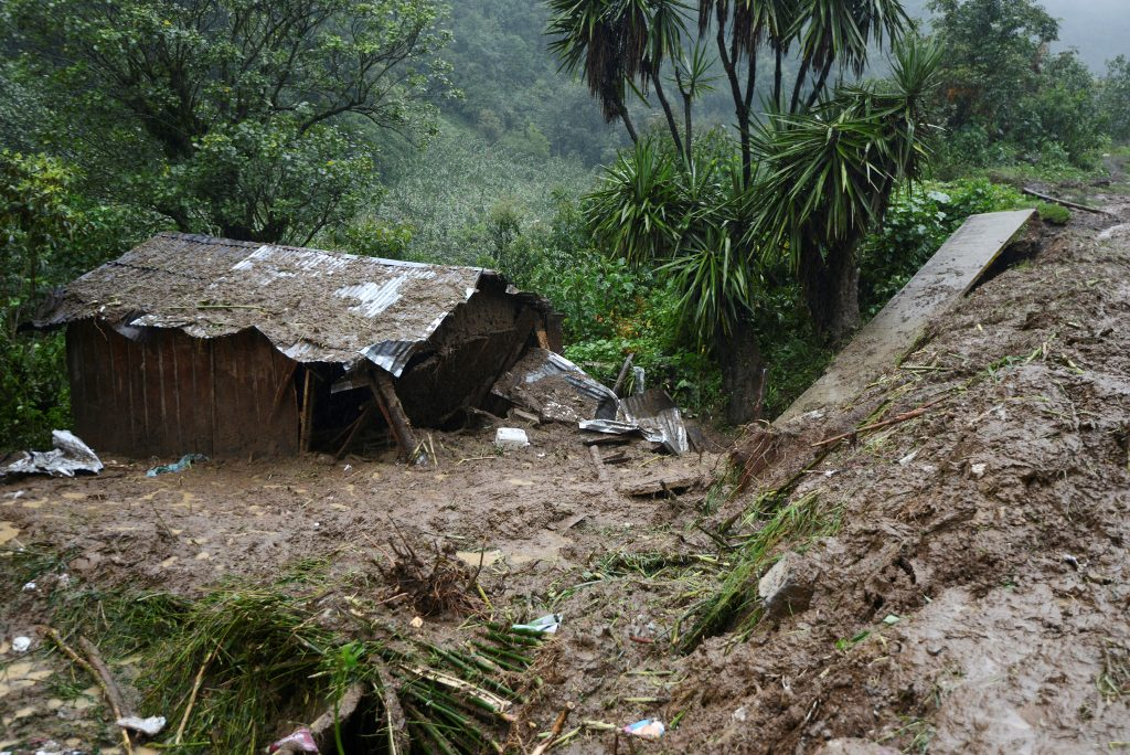 A view of the house where three members of a family died after a mudslide following heavy showers caused by the passing of Tropical Storm Earl in the town of Temazolapa, in Veracruz state, Mexico, August 6, 2016. REUTERS/Oscar Martinez FOR EDITORIAL USE ONLY. NO RESALES. NO ARCHIVES.