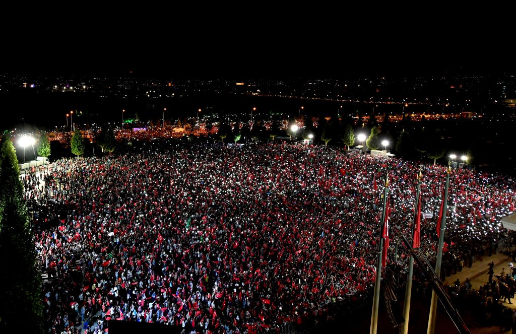 Supporters of Turkey's President Tayyip Erdogan gather in front of the Presidential Palace in Ankara, Turkey, August 10, 2016. Kayhan Ozer/Presidential Palace/Handout via REUTERS ATTENTION EDITORS - THIS PICTURE WAS PROVIDED BY A THIRD PARTY. FOR EDITORIAL USE ONLY. NO RESALES. NO ARCHIVE.