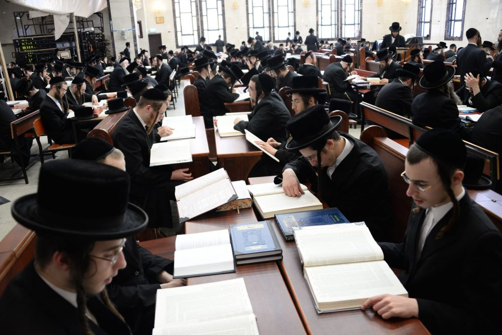 Learning in the Dorog beis medrash in Bnei Brak during the three-day learning. (JDN)
