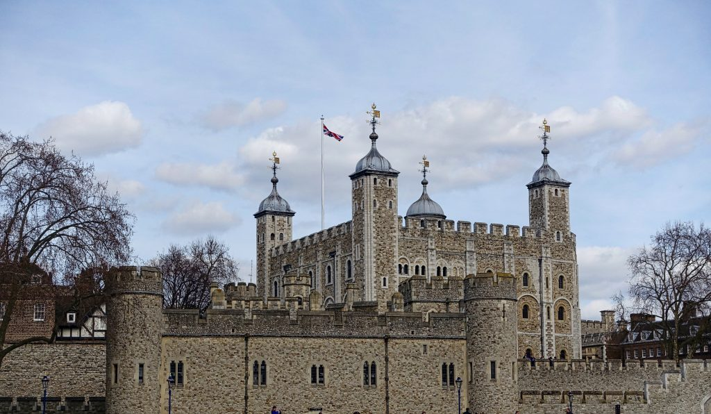 The tower of London and the prison. (Pixabay)