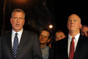New York City Mayor Bill de Blasio (L) and New York Police Department Commissioner James O'Neill at the press conference Saturday night.(Reuters/Stephanie Keith)