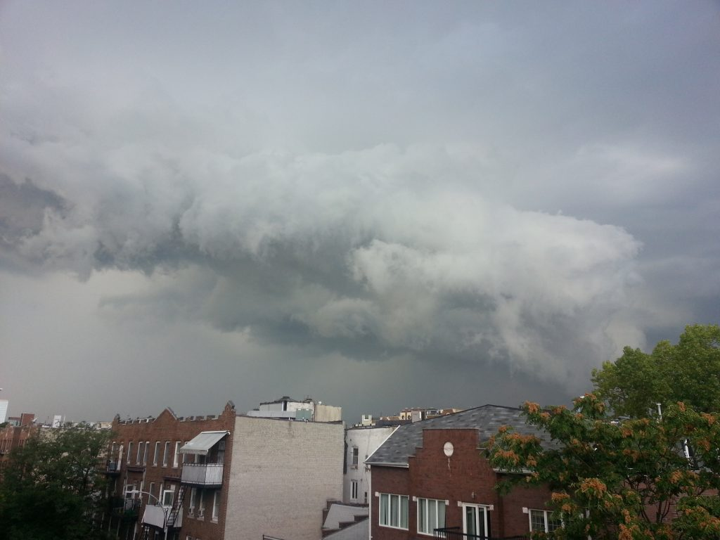 Quick storm that passed over Brooklyn yesterday Sept 14 ,2016 Crédit  ( Eliazar Braun)