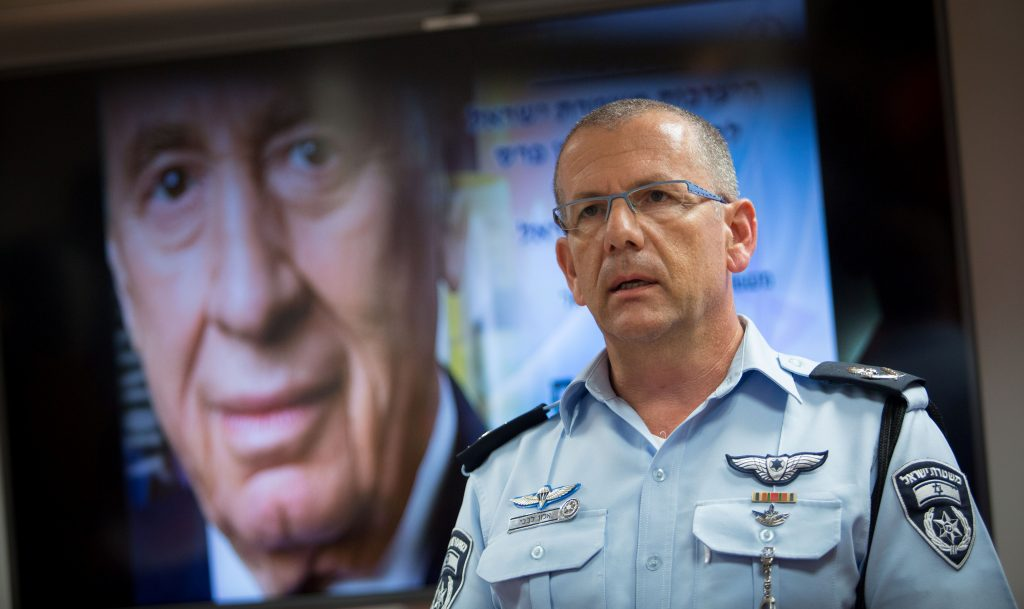 Major-General Alon Levavi in the situation room of the Israeli police headquarters in Yerushalayim, as security preparations are underway for the funeral of former president Shimon Peres.(Yonatan Sindel/Flash90)