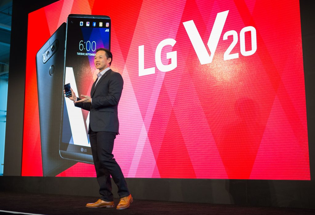 Frank Lee, Director of Communications,of  LG MobileComm, addresses the crowd at the LG V20 Launch  in San Francisco on Tuesday. (Don Feria/AP Images for LG Mobile)