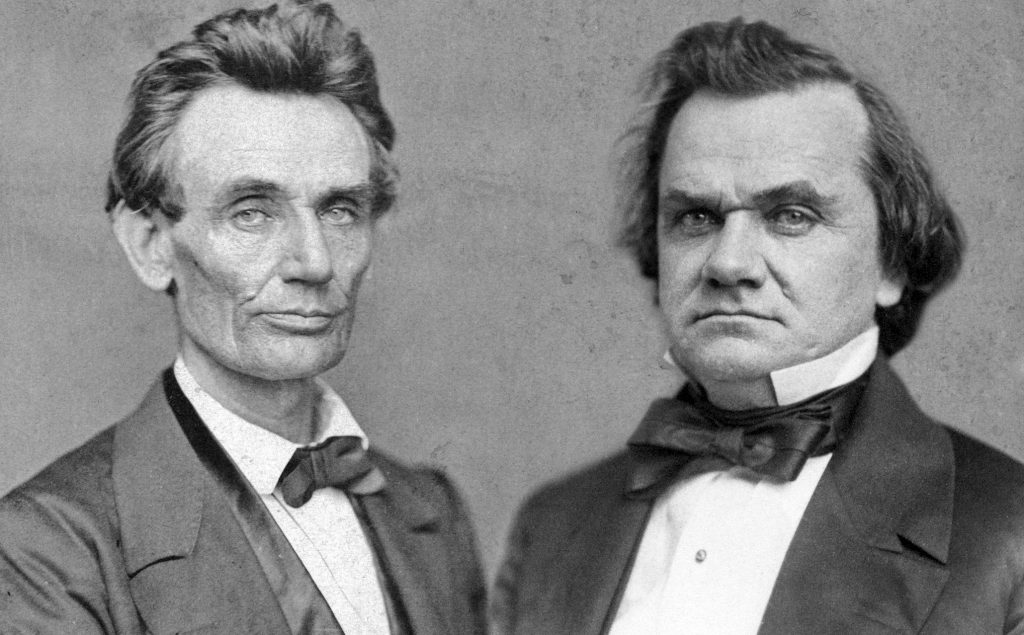 A composite photo showing Abraham Lincoln (L) and Stephen Douglas.