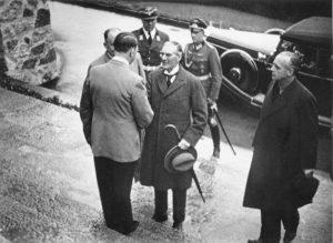 British Prime Minister Neville Chamberlain arrives for the Munich Agreement, September 15, 1938. (Bundesarchiv)