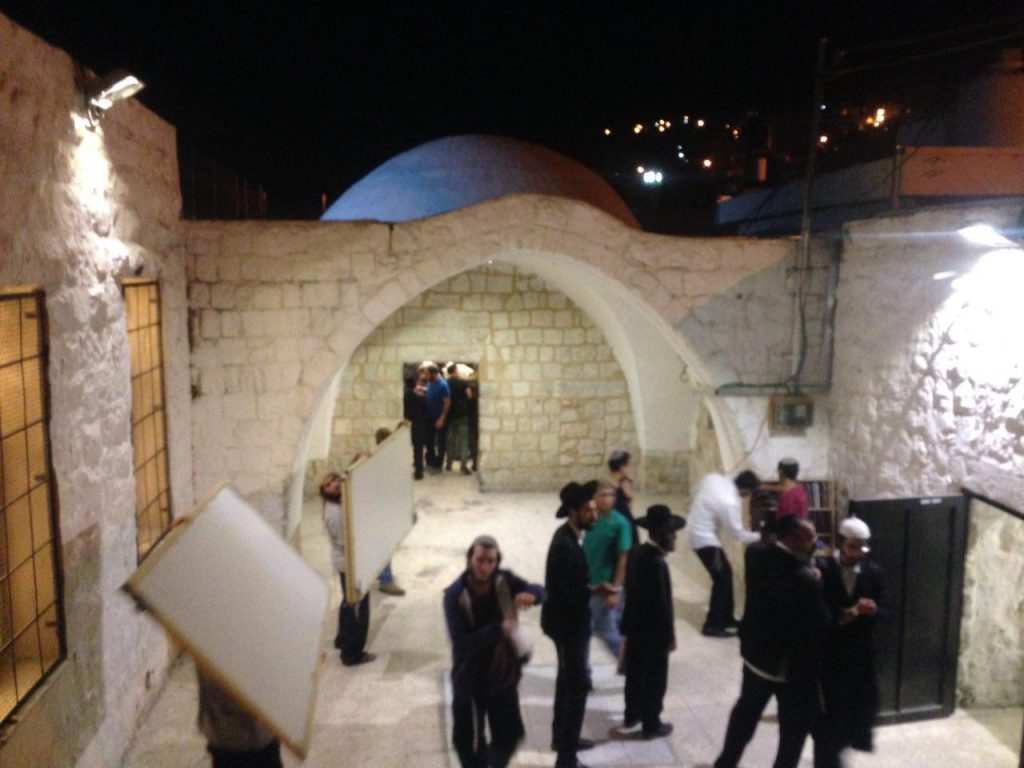 Arriving at Kever Yosef to daven Wednesday night. (Shimi Levi)