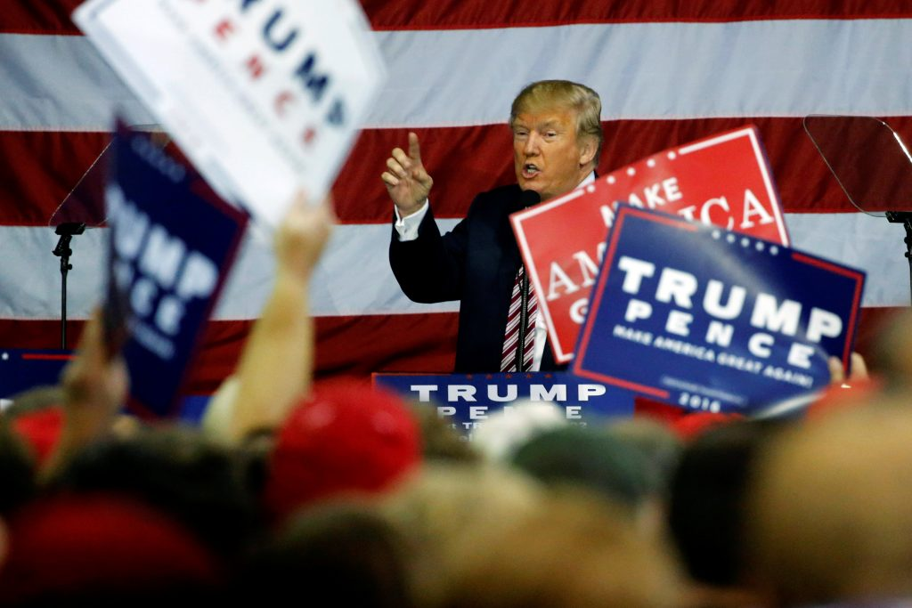 U.S. Republican presidential nominee Donald Trump holds a campaign rally in Delaware, Ohio. (Jonathan Ernst/Reuters)