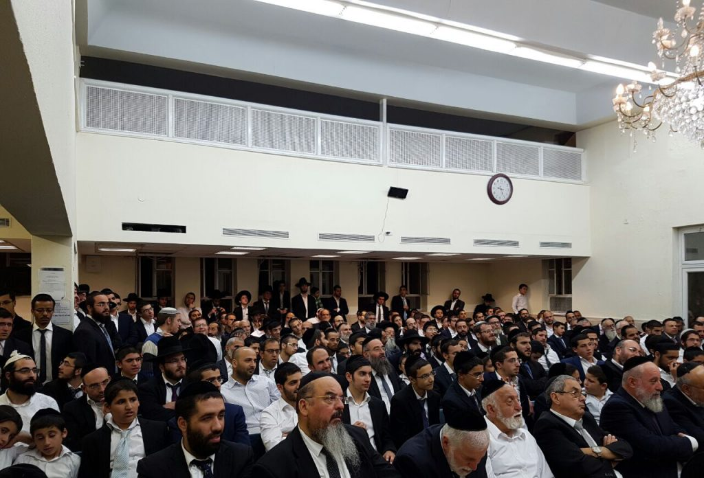 A view of the participants at the shiur. (Yaakov Cohen)