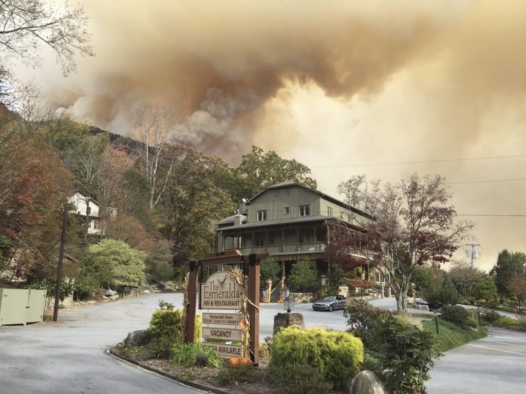 The Esmeralda Inn and Restaurant, which was evacuated due to the proximity of wildfires, on Nov. 11. (Don Cason via AP)