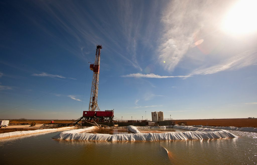 A water pool attached to a drilling rig in Midland County, Texas. (James Durbin/Reporter-Telegram via AP, File