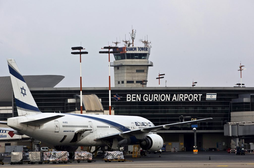 An EL AL Boeing 777 aircraft is seen at Ben Gurion International Airport near Tel Aviv, Israel July 14, 2015. REUTERS/Nir Elias/File Photo