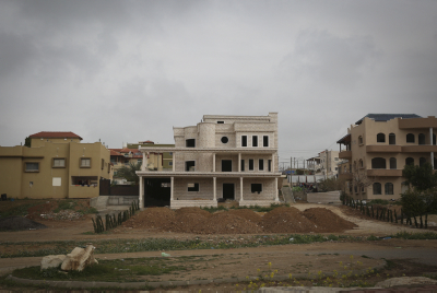 View of villa homes and road construction in a neighborhood in the Beduin city of Rahat in Southern Israel. Photo by Hadas parush/Flash 90.