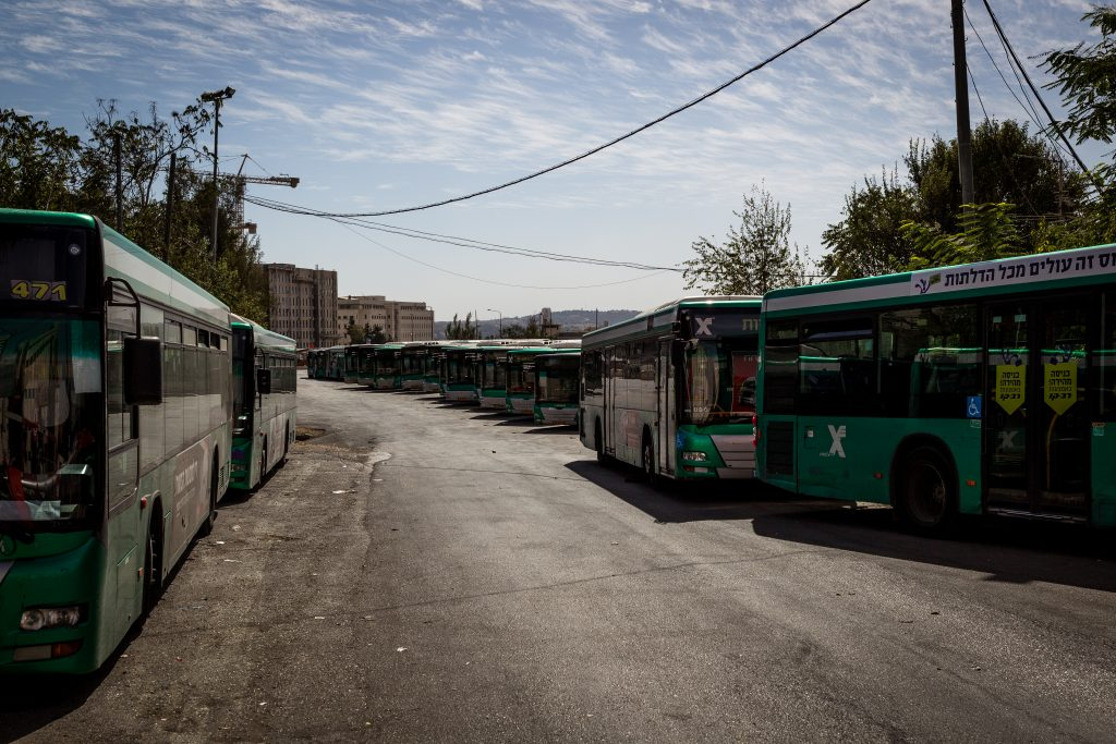 Egged buses parked in Yerushalayim. (Sebi Berens/Flash90)