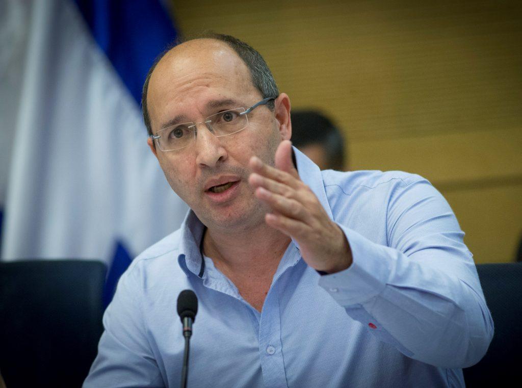 Histadrut chairman Avi Nissenkorn (Yonatan Sindel/Flash90)