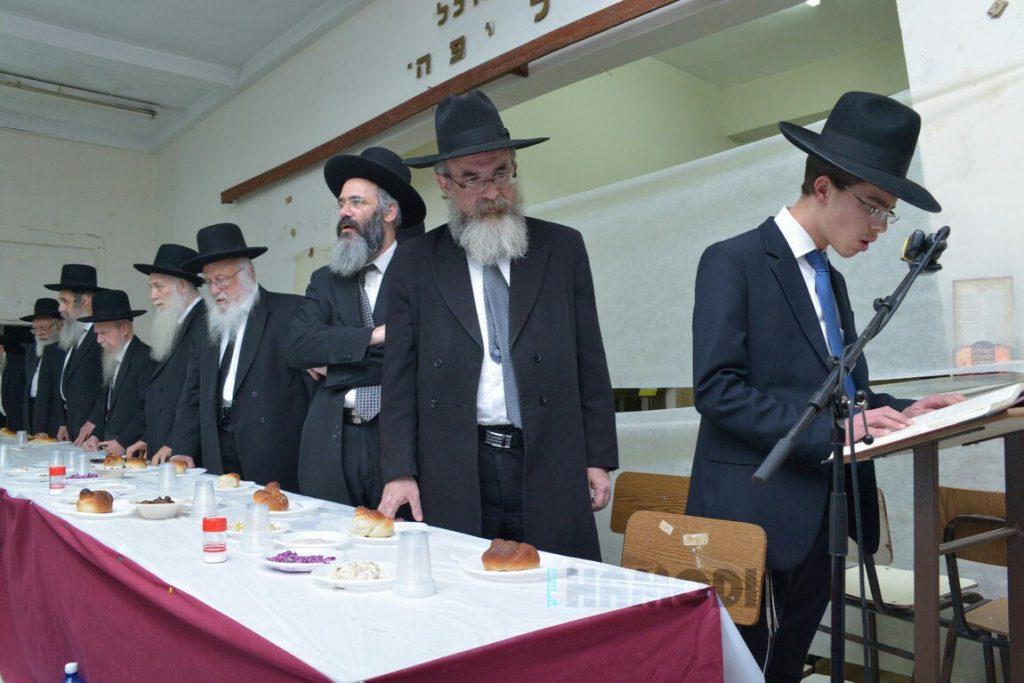 Kaddish at the Siyum of mashecta Nedarim in Yeshivas Ponevezh in Bnei Brak. (JDN)
