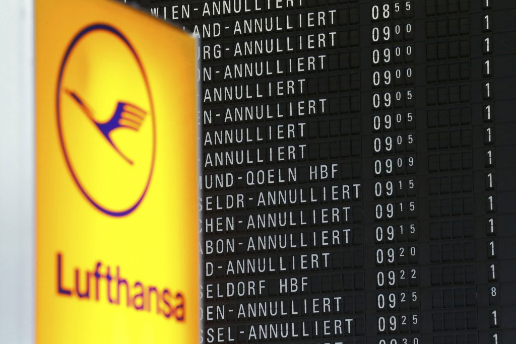 A flight information board shows cancelled flights during a pilots strike of German airline Lufthansa at Frankfurt airport, Germany, November 23, 2016. REUTERS/Fabrizio Bensch