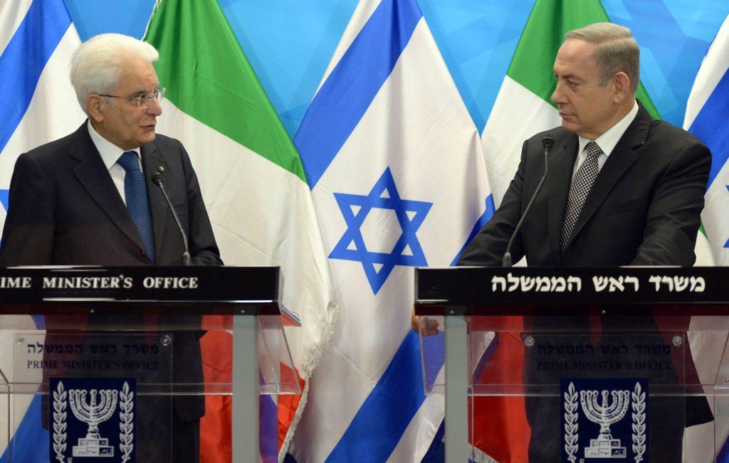 Italian President Sergio Mattarella (L) and Israeli Prime Minister Binyamin Netanyahu hold a joint press conference in Yerushalayim on Wednesday. (Haim Zach/GPO)