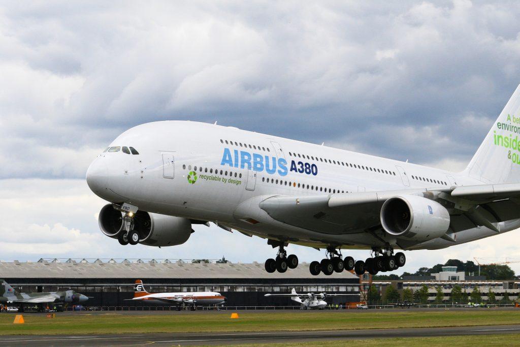 airbus-a380-788573_1920
